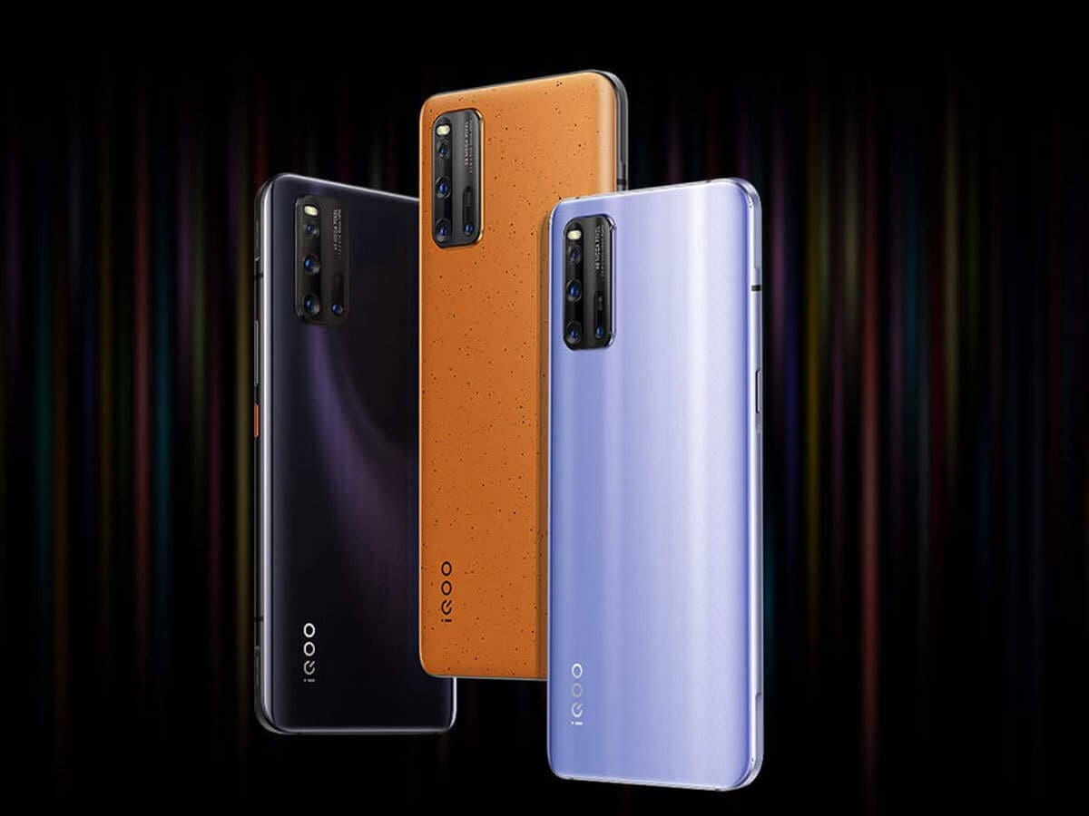 mor, turuncu ve siyah renkli 3 telefon