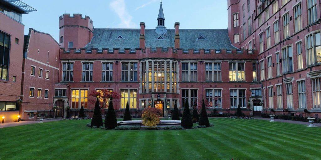 birleşik krallıktan bir üniversite görseli