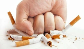 İkizlerden Hangisinin Sigara İçtiğini Bulabilecek Misin? yazısının öne çıkarılan görseli