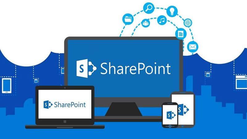 sharepoint yazısı ve logosu monitor, laptop,telefon ve tablet ekranında
